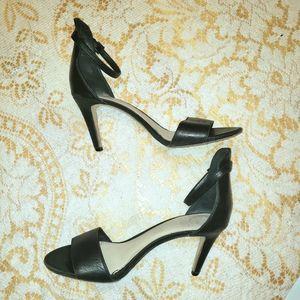 Vince Camuto black leather strap heels Stilletos 9